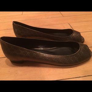 Gucci sliver open toe flats 37.5